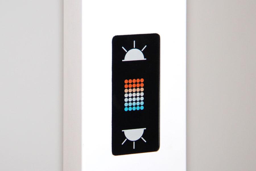 Lampadaire de bureau avec détecteur de présence et variateur d'intensité lumineuse